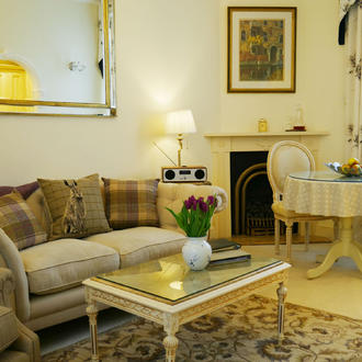 The Living room/diner in The Hesketh Crescent self catering Holiday Apartment in Torquay.